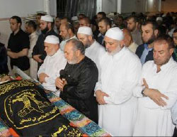 Ismail Haniyeh, Khalil al-Haya and Fathi Hamad attend the funeral of A'aed Jumaa (Website of the Jerusalem Battalions, June 10, 2017).
