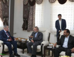Talabani meets with Ali Larijani, speaker of the Majlis (Asr-e Iran, July 12, 2017).