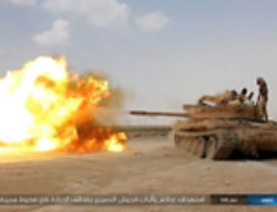 ISIS tank attacks the Syrian forces and their vehicles in the area of Palmyra.