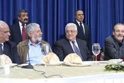 Mahmoud Abbas (right) and Amram Mitzna during the Israeli visit to Ramallah