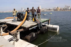 Repair works in the Gaza fishing port (www.perdana4peace.org)