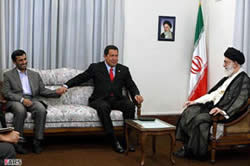 Hugo Chavez (center) on a meeting with Khamenei (right)