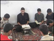Young men and women memorize the Qur'an
