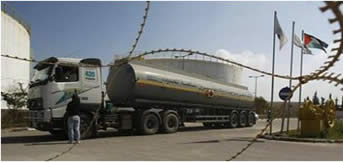 Fuel tanker en route to the Gaza Strip (Izz al-Din al-Qassam Brigades website, June 5, 2012)