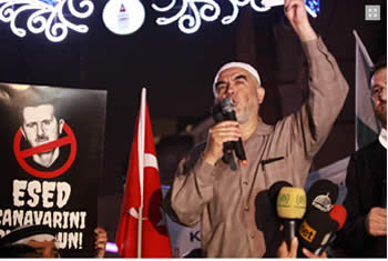 Raed Salah speaks at the ceremony in Istanbul (IHH website, June 3, 2012).