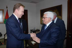 Mahmoud Abbas meets in Ramallah with the Norwegian foreign minister (Wafa News Agency, November 24, 2013).