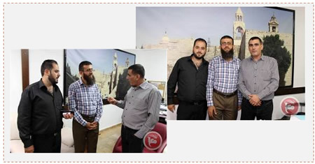 From right to left: Nasser Laham, editor-in-chief of the Ma'an News Agency, Khader Adnan, and Muhammad Faraj, manager of Ma'an's satellite TV channel (Ma'an News Agency, September 1, 2015).