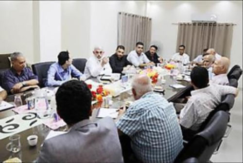 Yahya al-Sinwar meeting with Palestinian correspondents in the Gaza Strip (Hamas movement website, August 16, 2017).