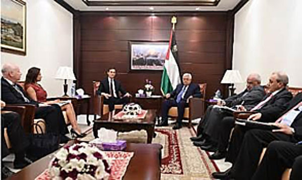 Abu Mazen meeting with the United States delegation (Internet website of the American Consulate in Jerusalem, 25 August 2017)