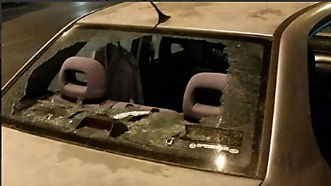 Israeli vehicle damaged by a Molotov cocktail near the Mount of Olives in Jerusalem (Facebook page of Palinfo, August 6, 2017).