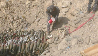 Neutralizing ammunition left behind by ISIS in Mosul (Shafaq News, August 6, 2017).