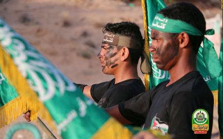 Campers wearing green Hamas military wing headbands (Facebook page of Rafah24, July 26, 2017).