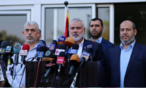 Isma'il Haniyeh, Yahya al-Sinwar and Khalil al-Haya hold a press conference at the Rafah crossing after their return to the Gaza Strip (Hamas website, September 19, 2017).
