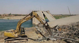 Beginning of the rehabilitation works on the fourth bridge (Nineveh Media Center, 30 August 2017).