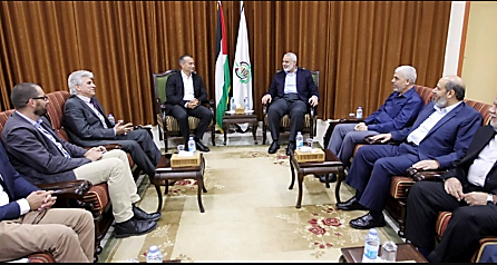 Mladenov meets with senior Hamas figures (Hamas website, September 25, 2017).