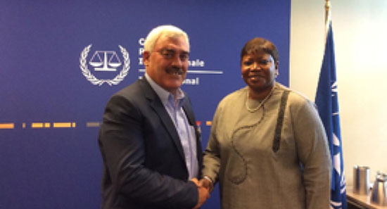 Shawan Jabarin meeting with ICC Prosecutor Fatou Bensouda in The Hague and submitting the third anti-Israel report on the subject of the siege on the Gaza Strip (PCHRGAZA website, November 22, 2016)