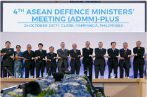 The Russian defense minister (second from the right) among the defense ministers participating in the conference in the Philippines (Russian Defense Ministry's Twitter page, October 24, 2017)