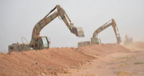 Heavy machinery works on the border between Iraq and Syria by Popular Mobilization operatives to prevent infiltration of ISIS operatives from Syria into Iraq (Iraqi News Agency, October 29, 2017)
