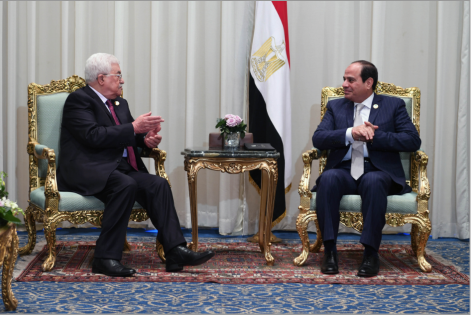 Mahmoud Abbas meets with Egyptian President Abdel Fattah el-Sisi at Sharm el-Sheikh (Wafa, November 6, 2017).