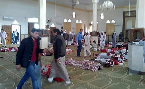 Bodies of some of the people killed in the terrorist attack in the Al-Rawdah mosque (Haqq, November 25, 2017).