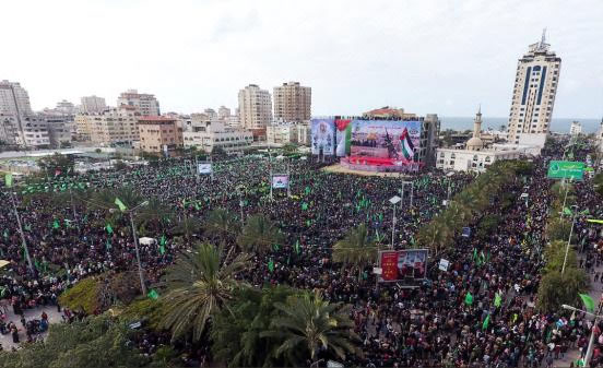 Hamas rally in Gaza City marking the 30th anniversary of the movement's founding (Palinfo Twitter account, December 14, 2017).
