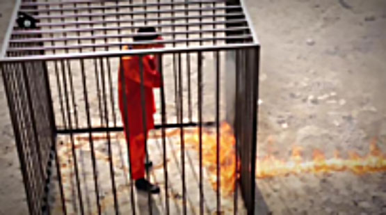Video documenting the live immolation of a Jordanian prisoner captured by ISIS. Right: The pilot before being put into a cage and set on fire. Left: The pilot watches as the flames approach (al-Minbar al-A'lami al-Jihadi).