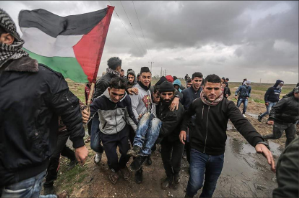 Gazans clash with IDF forces along the border east of Gaza City (Twitter account of Paldaf, January 5, 2018).