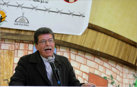 Qadoura Fares, chairman of the Palestinian Prisoners' Club (right) and Issa Qaraqe, chairman of the PA Commission of Detainees and Ex-Detainees Affairs (Wafa, January 14, 2018).