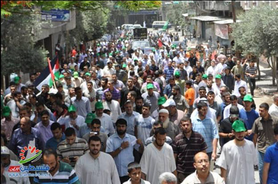 March from the Jabalia refugee camp to Beit Hanoun (Filastin al-A'an, June 7, 2013).