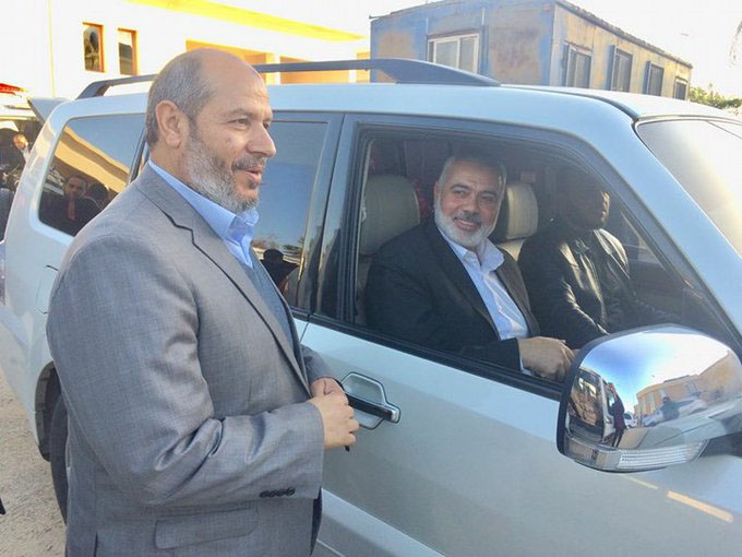Isma'il Haniyeh and the Hamas delegation arrive in the Gaza Strip (Palinfo Twitter account, February 28, 2018).