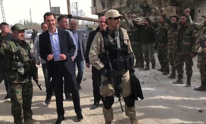 President Bashar Assad's visit to Syrian army soldiers and officers in the Jisrin area, eastern Al-Ghouta (Mourassiloun, March 18, 2018)