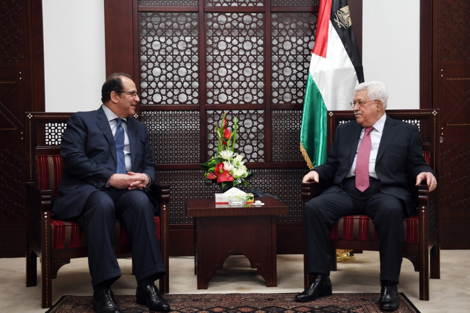 Mahmoud Abbas meets with the chief of Egyptian General Intelligence at his office in Ramallah (Wafa, April 3, 2018).