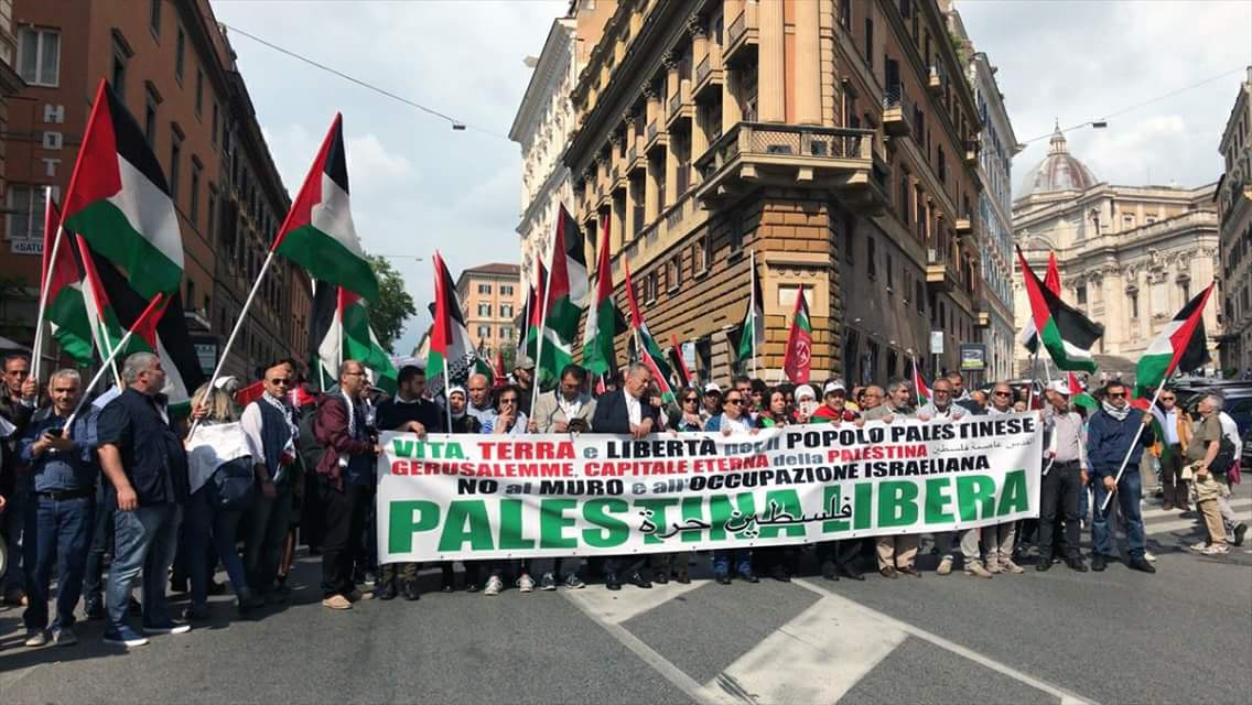 Palestinians demonstrate in Rome to mark the 70th anniversary of the nakba.
