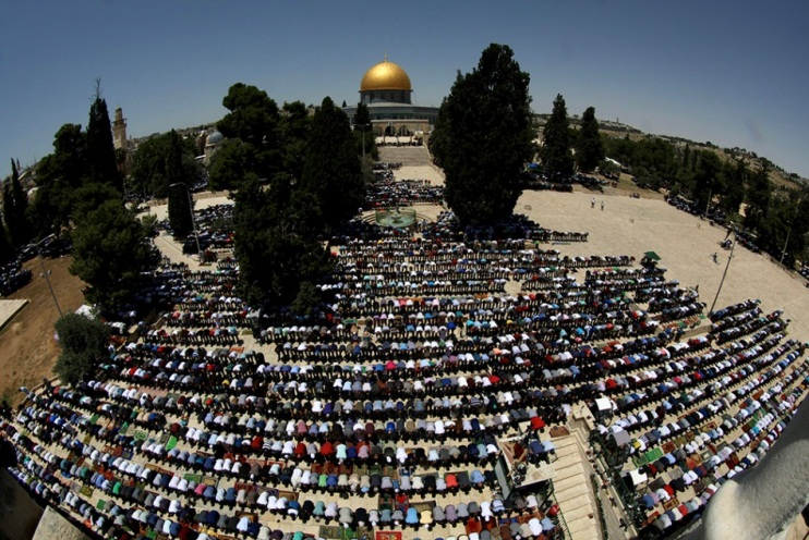 First Friday prayer of Ramadan, dedicated to the Palestinians killed in the Gaza Strip (Wafa, May 17, 2018).