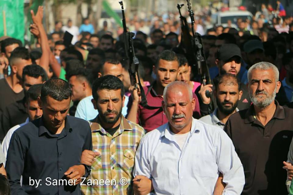 Armed terrorist operatives (in all probability from Hamas) at the funeral of Saadi Abu Salah in Beit Hanoun. Second from the right is Saadi's father (Facebook page of Sayid Abu Salah, May 23, 2018)