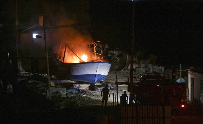The two boats attacked in the fishing port west of Gaza City (Twitter account of Freedom Flotilla, May 24, 2018).