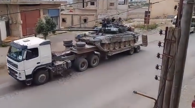 The Syrian army reinforcing its troops. Right: Syrian army tank en route to the Daraa area. Left: Rocket launcher (Butulat Al-Jaysh Al-Suri, June 9, 2018)