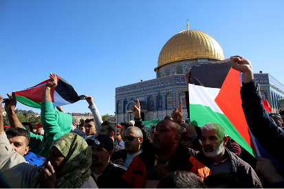 Demonstration on the Temple Mount the Friday after America's announcement it was moving its embassy to Jerusalem (Wafa, December 8, 2017).