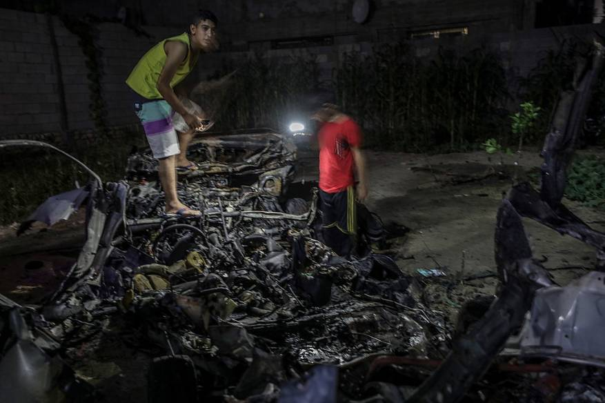The vehicle attacked in eastern Gaza City (Shehab, June 17, 2018).