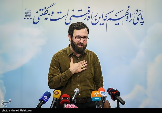 The Director of the Owj Organization, Ehsan Mohammad Hassani, at a press conference (Tasnim, August 7, 2017)