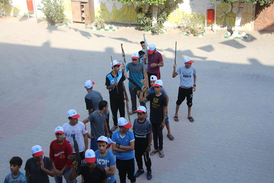 Weapons training in a Hamas summer camp in the al-Amal neighborhood of the Khan Yunis refugee camp (Facebook page of the summer camps committee in Khan Yunis, July 17, 2018).