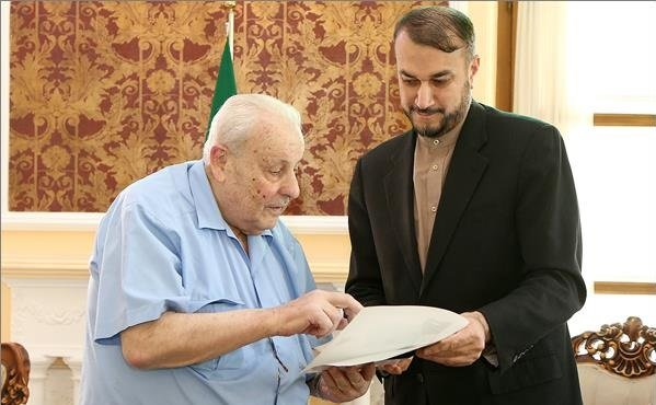 The meeting between Abdollahian and the Palestinian ambassador to Tehran (ISNA, July 8 2018).