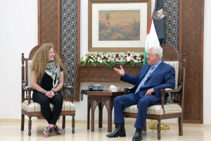 Mahmoud Abbas receives Ahed Tamimi in his office (Wafa, July 29, 2018).