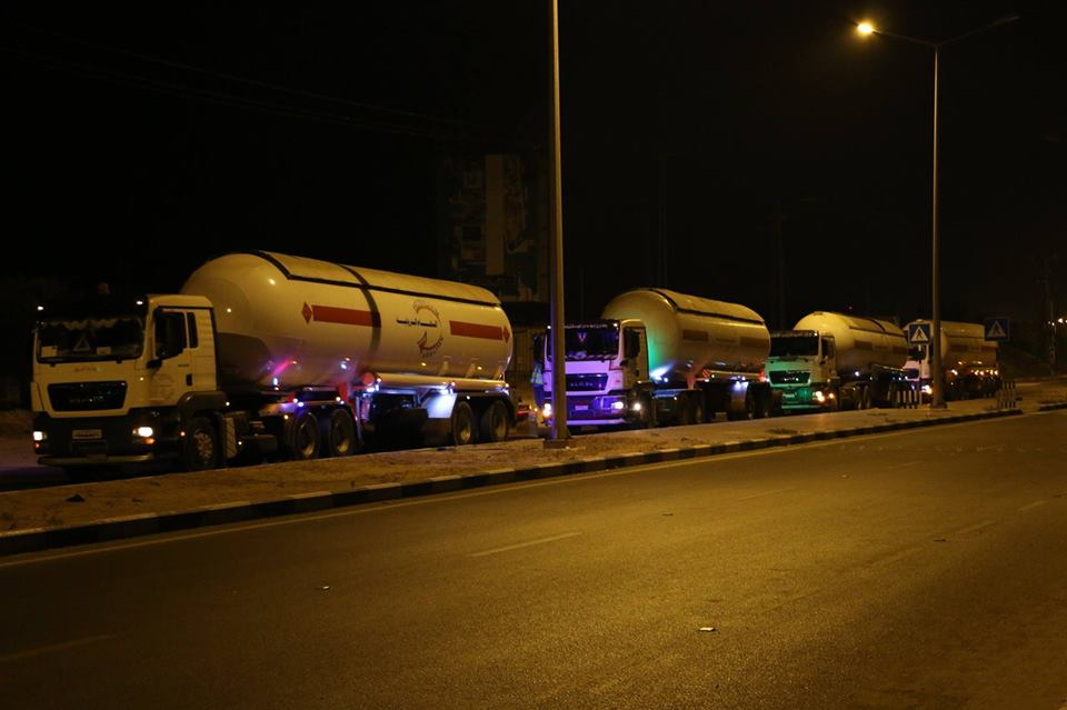 Tankers with cooking gas from Egypt enter the Gaza Strip (Palinfo Twitter account, August 6, 2018).