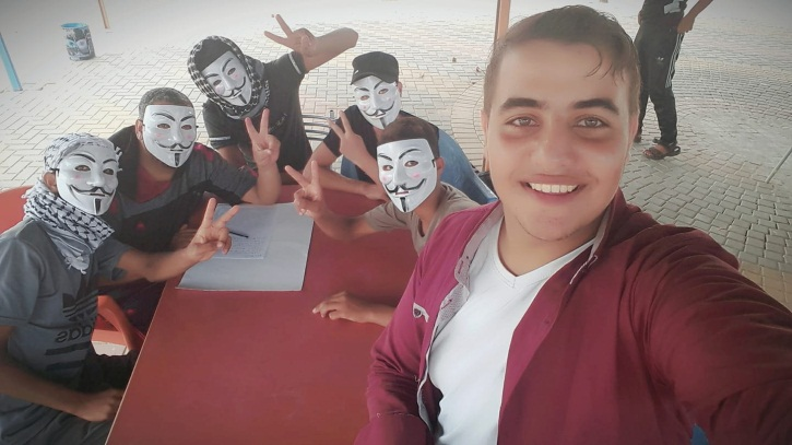 "Pictures of the [so-called] ""tire unit's"" activities. Bottom: Summer campers with Firas Abu Sharakh, who represents himself as a media person from Rafah who took the pictures (Facebook page of Firas Abu Sharakh, August 9, 2018)."