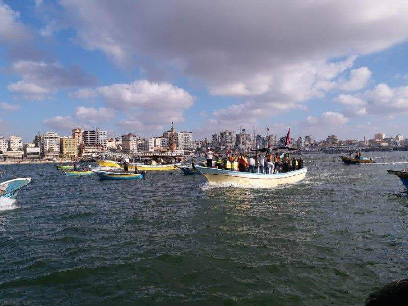 Hamas boats sail toward the naval border with Israel north of the Gaza Strip (Palinfo Twitter account, August 18, 2018).