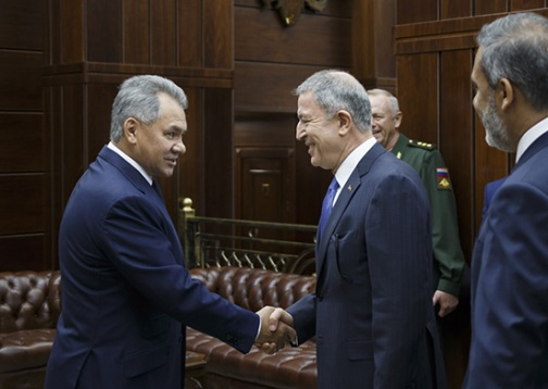 Russian Defense Minister Sergey Shoygu (left) and his Turkish counterpart in Russia (Russian Defense Ministry website, August 24, 2018)