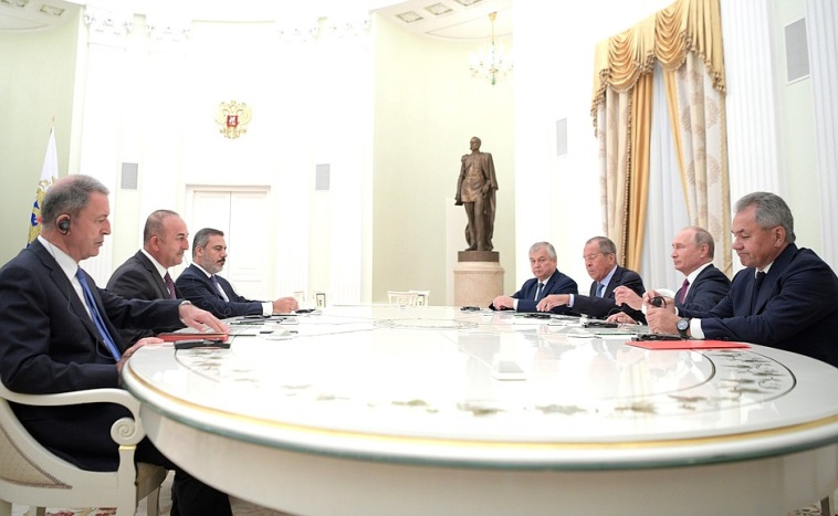 Russian delegation (right) and Turkish delegation (left) at the Kremlin (Kremlin website, August 24, 2018).