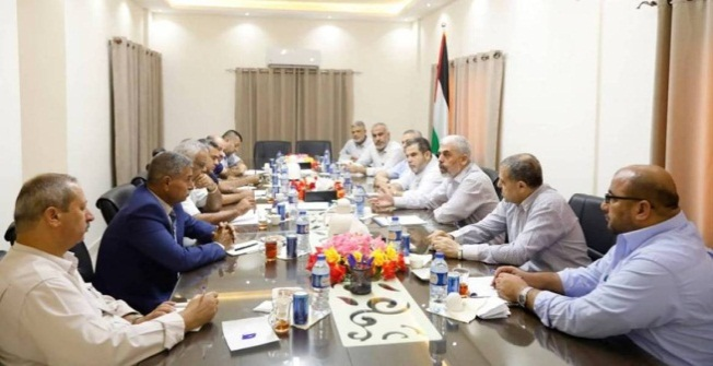 A meeting with the DFLP delegation (Hamas movement website, August 30, 2018).