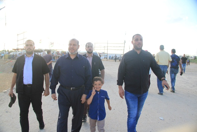 "Khalil al-Hayya, Hamas senior official, arriving at the ""Return Camp"" in eastern Gaza City (Facebook page of the Supreme National Authority of the Return March, September 7, 2018)"